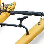 Cañero orientable de Railblaza sobre patín de kayak Hobie